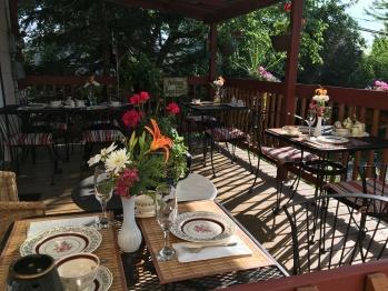 Terrasse en été pour le petit déjeuner