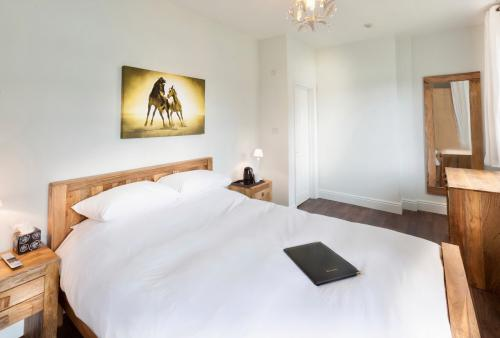 Double room-Comfort-Ensuite with Shower - Base Rate