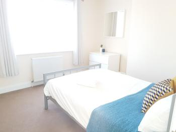 Oceana Serviced Accommodation - Alder Road - Double room
