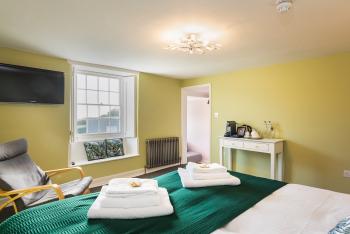 Langmoor Suite 8
