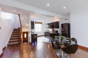 Regent Canal Apartments - apartment 2