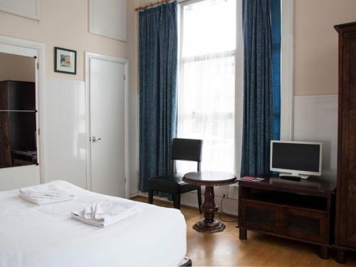 Apartment-Private Bathroom-Studio Flat 1 - Base Rate
