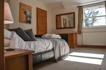 Double Bedroom in Golitha Cottage