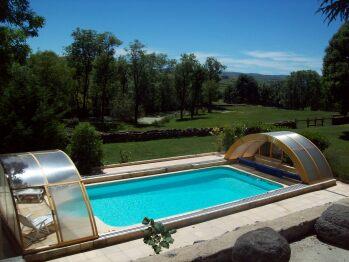 La piscine couverte...ouverte
