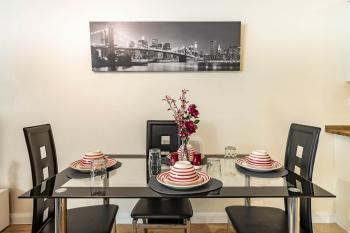 MPL Apartments - Queens Broadway F4 - Dining Area