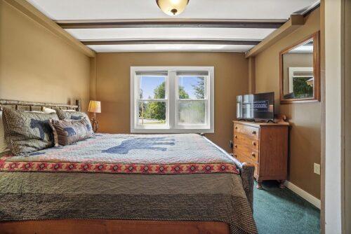 Suites-Quad room-Ensuite-Standard
