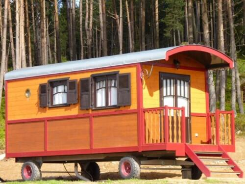 La Roulotte: 4 personnes -Roulotte-Confort-Vue sur Lac-Douche