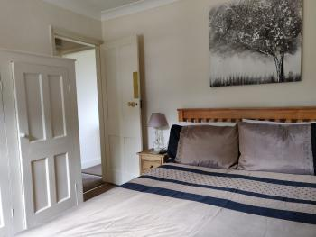 Double room-Superior-Private Bathroom-Courtyard view-Whitehouse Cottage Room 4 - Base Rate