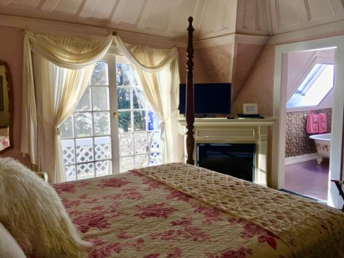 Double room-Ensuite-Premium-Balcony-Shaw Suite