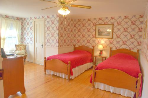 C9 Carriage House -2 Twin-Double room-Ensuite-Standard-Countryside view