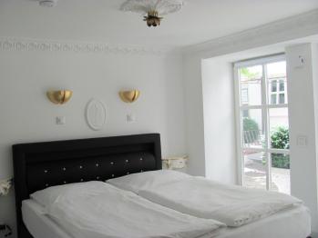 Doppelzimmer-Deluxe-Eigenes Badezimmer-Blick auf den Hof- | Number  3 - Standardpreis