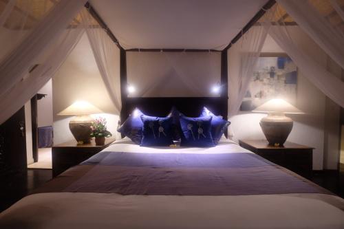 Villa-Ensuite with Shower-Luxury-River view-Entire Four Bedroom Villa