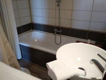 salle de bain  chambre coté cour