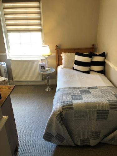 Single room-Ensuite-Room 2