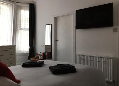 Large Double Room With Bathroom