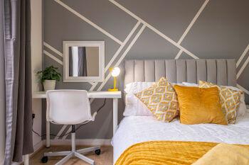 Riley House Spacious City Apartment -