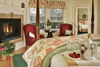 Victorian Room (Queen)-Ensuite-Queen-Standard
