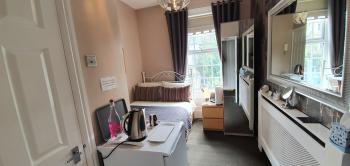 Superior Single room with full En-suite