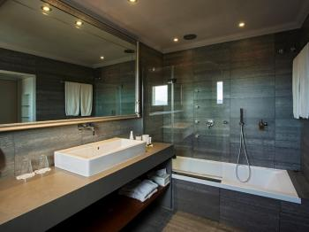 MONTJUIC B&B baño