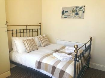 Pear Suite Sasco Apartments -