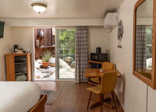 Buckeye Room 07