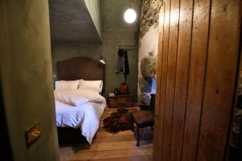 Clarke is one of our cosiest rooms and guarantees a great nights sleep