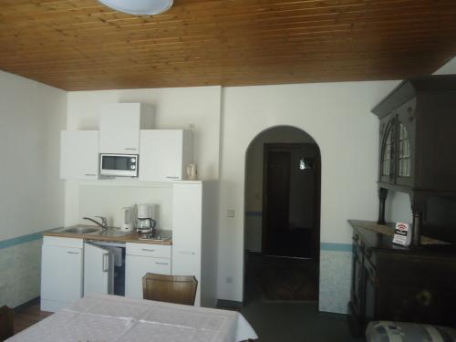 Dreibettzimmer-Eigenes Badezimmer-Monteur Zimmer - MyWeb