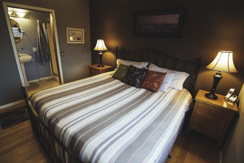 King size pillow top bed.