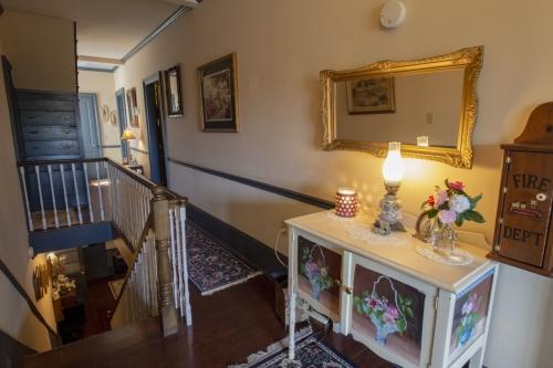Quad room-Ensuite-Standard-Balcony-The Gabriel & Evangeline