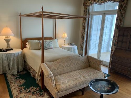 Lodge -  Parton Suite-Double room-Ensuite-Standard