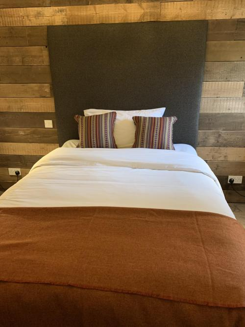 Double room-Classic-Ensuite with Shower-Countryside view-Room 9