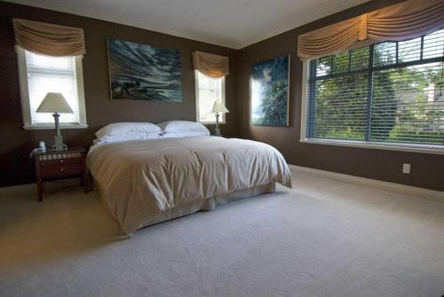 King-Executive-Ensuite-Garden View - Breakfast Included