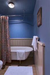 Tonkawa Room Bath