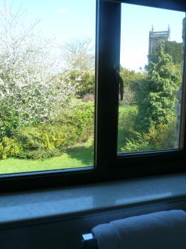 Both garden & countryside views