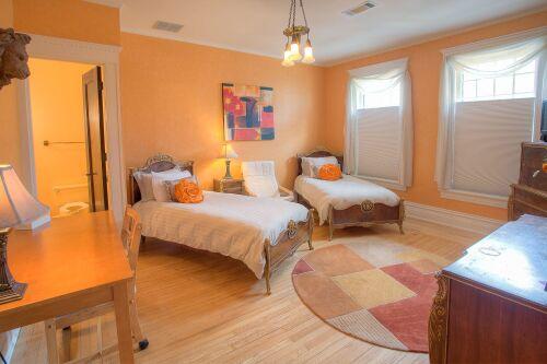 Double room-Ensuite-Tangerine Room.