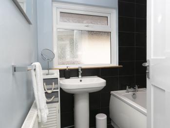 Bathroom/ Shower room