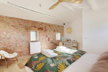 Chambre avec lit double en 160 cm