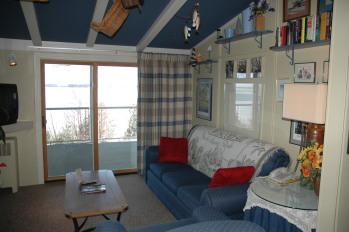 Winfield Inn Condo #22-Condo-Private Bathroom-Lake View