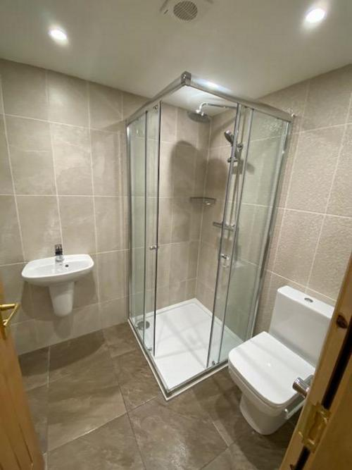 Apartment-Large-Ensuite with Shower-River view - Base Rate
