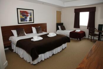 Family room-Comfort-Ensuite-Garden View-Family Room