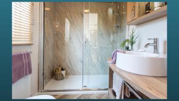 Gorgeous en-suite bathroom to the Master Bedroom