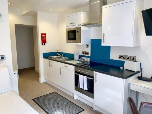 Studio 4 - Fully equipped kitchen