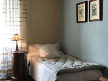 Mini suite Mouki - Lit simple antichambre