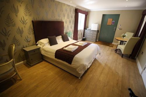 Double room-Ensuite-Disabled Access - Base Rate