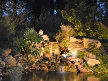le bassin et sa cascade