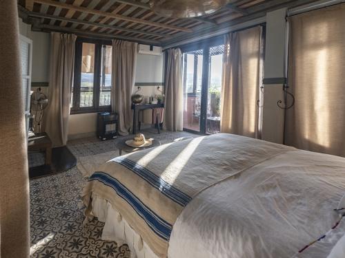 Double-Suite-Salle de bain-Terrasse-Chambre Tafantant
