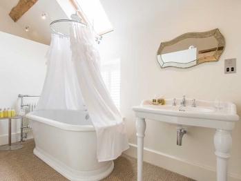 Hencote Grange bathroom