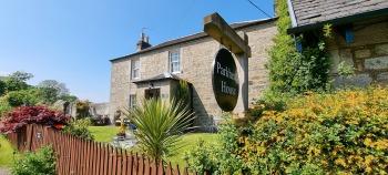 Parkhead House - Front Garden