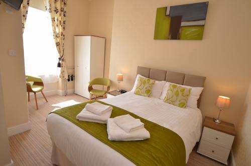 Double room-Classic-Ensuite-Inland  - Base Rate