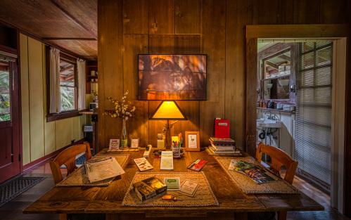 Crater Rim Cabin-Cabin-Private Bathroom-Garden View